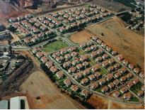 שכונות צמודות קרקע, קיבוצים ומושבים